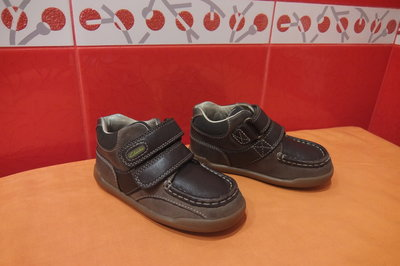 Ботиночки д/мал. р.24 7 F Clarks, натур. кожа, по стельке-16 см.