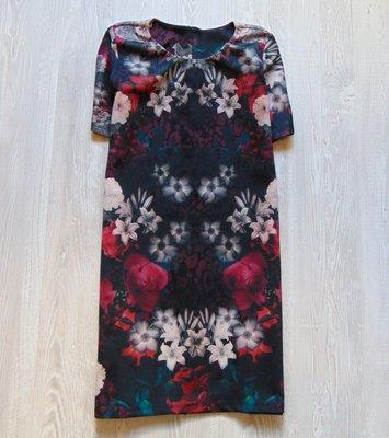 Шикарное неопреновое платье для девушки. No name. Размер М 10 . Состояние новой вещи