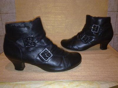 Ботинки HUSH PUPPIES 100%натуральная кожа Вьетнам 41-42р