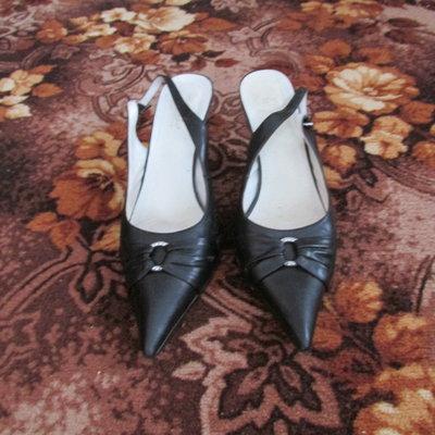 Кожаные туфли,босоножки
