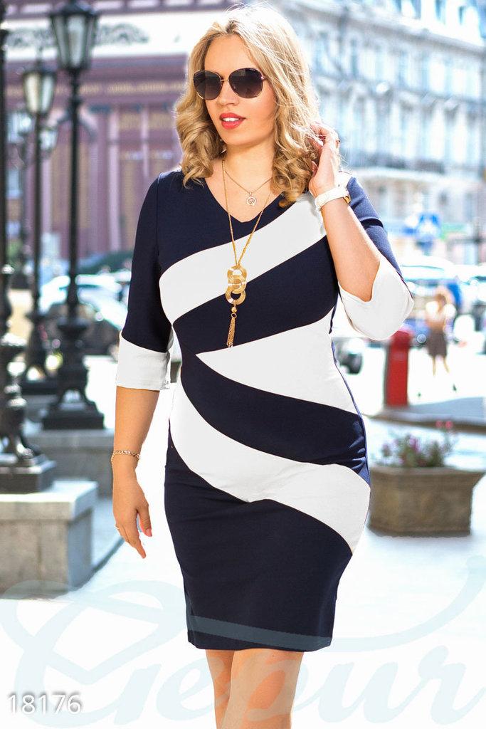 1674b067088f92a Платье скрывающее недостатки: 650 грн - платья в Одессе, объявление  №11141660 Клубок (ранее Клумба)