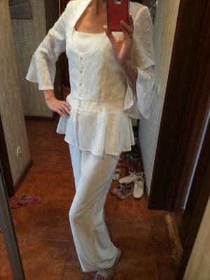 Кремовый костюм-троечка С-М