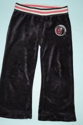 Спортивные велюровые брюки в отличном состоянии р-116 на 5/6 лет