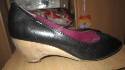 Туфли на деревяной подошве zara