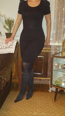 Трикотажное платье Esprit Германия прилегающего силуэта р. 46-48