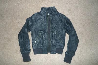 Куртка черная кожзам р.XS