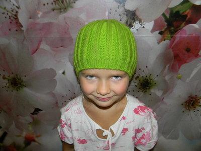 шапка деми на девочку 4-6 лет отл. сост.