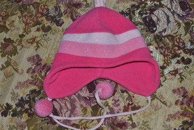 яркая флисовая шапка на объём 54-56см