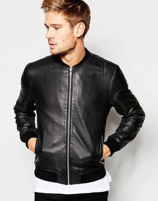 Стильная демисезонная куртка из кожзама