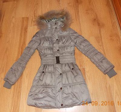 Зимнее фирменное пальто для девушки, размер S 40-42