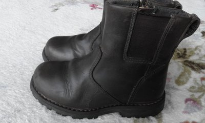 Ботинки Timberland оригинал . Натуральная кожа нубук . Размер 26 стелька 16 см .