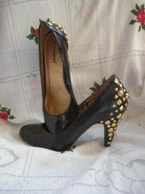 Туфли женские,черные,кожаные,на высоком каблуке,р.38,320грн..