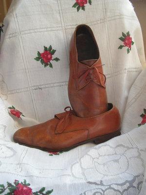 Туфли мухские,светпо-коричневые,кожаные,р.43-270грн.