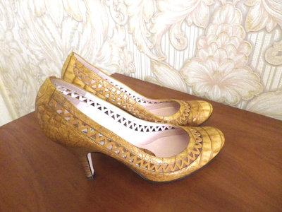 POLLINI Италия НОВЫЕ Туфли на каблуке бренд оригинал р.37,5