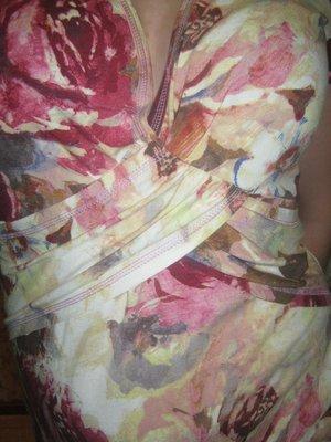 Стильное итальянское платье в обтяжку в осенней расцветке, цветочный принт.М L.46-48.