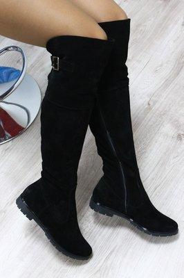 Зимние натуральные замшевые сапоги-ботфорты черные