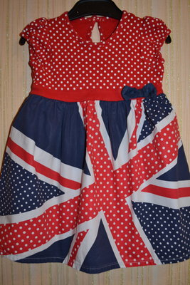 Очень яркое и красивое платьице от George на 1, 5-2, 5 года