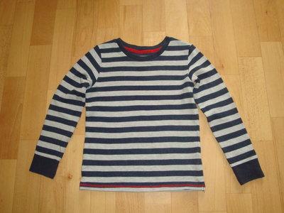 Тепленький,фирменный реглан для мальчика 5-7 лет.