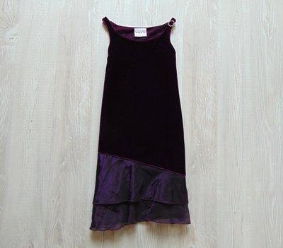 Нарядное велюровое платье для девочки. Внутри на подкладке. Next. Размер 5 лет