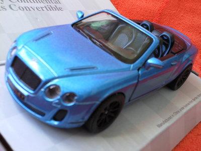 Машинки металл Bentley Continental 2 вида .