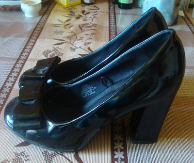 туфли черные лаковые Размер 38/5 стелька 25 см.