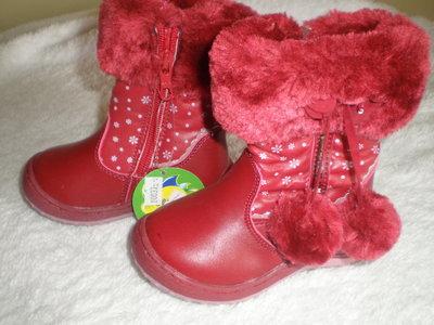Зимние кожаные сапоги на девочку размер 22 14см и 26 16,5см
