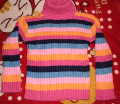 Тёплый и мягкий свитер на 4-5 лет