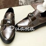 Шикарные туфли с кристаллом
