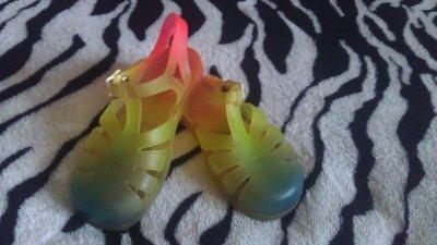 Яркие, силиконовые бомоножки