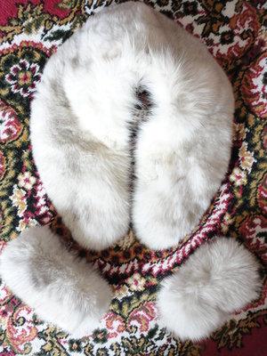 Песец белый 85 см на 20см манжеты