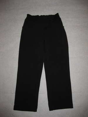плотные штаны брюки на 6-7 лет, фактурная ткань, можно в школу