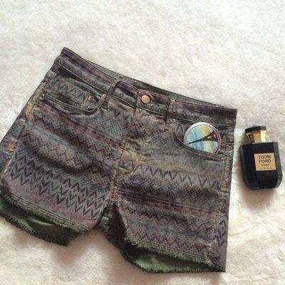 Котоновые шортики с узором в идеале H&M Denim