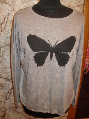 Свитер с бабочкой С-М