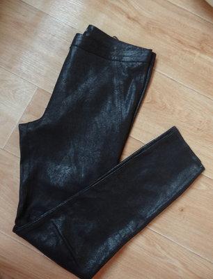 Снизила цену Zara черные брюки под замшу М- размера
