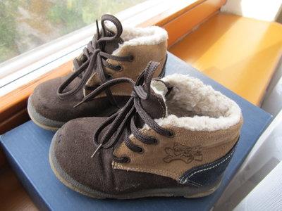 Ботиночки утепленные 23 размер