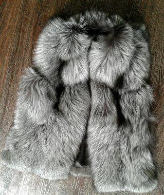 Шикарный жилет из натурального меха чернобурки