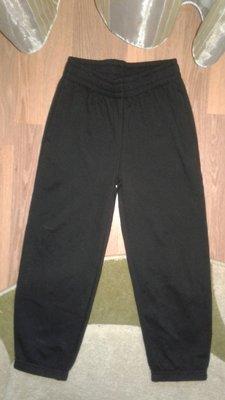 Новые теплые спортивные штаны на мальчика 7лет BHS