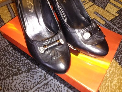 Кожаные туфли новые 37 размер