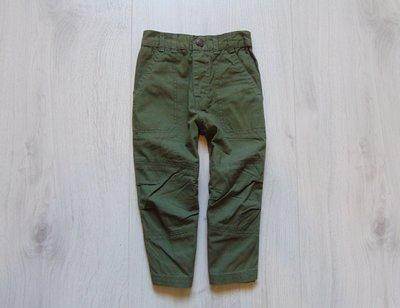Стильные тонкие джинсы для мальчика. Размер 1.5 года. Состояние новой вещи