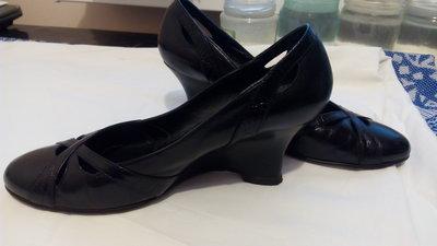 Туфли натуральная кожа 36, 37 размер, танкетка , стелька 24- 24,5 см