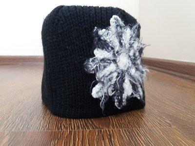 Зимняя женская шапка с цветком 30% шерсть