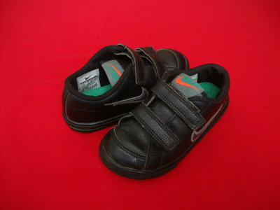 Кроссовки Nike оригинал 25-26размер