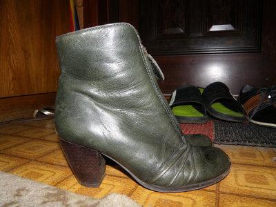 Зеленые кожаные сапоги р 38