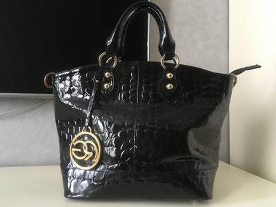 Вместительная кожаная итальянская сумка Roberta Gandolfi.