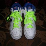 Фирменные кожаные высокие кроссовки Nike 34 р.