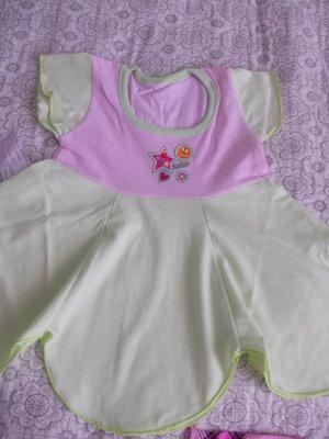 На малесеньких нонечок плаття-квіточкою