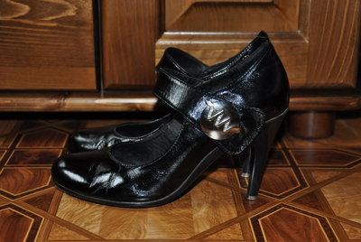 Женские кожаные лаковые туфли, 38 размер