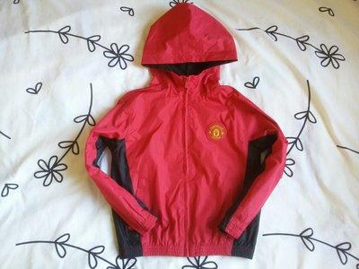 Крутая ветровка Manchester United на 6-8 лет.