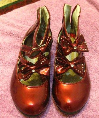 Туфли девченке нарядные