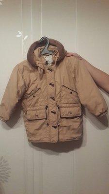 Демисезонная курточка на девочку 6-7 лет